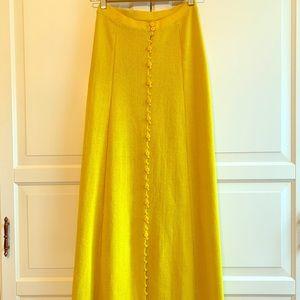 Long yellow knit skirt